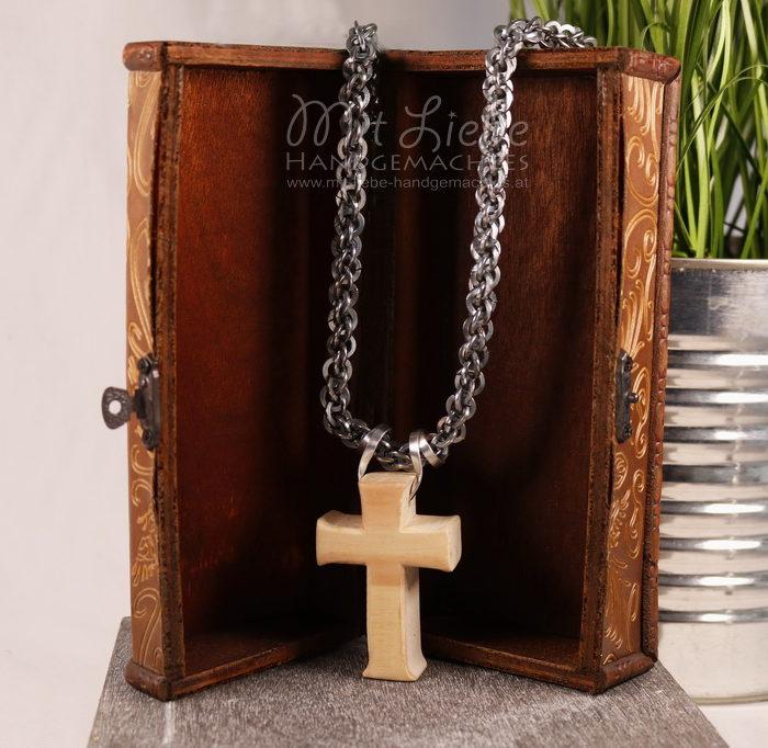 Holz Kreuz mit Statementkette - Kreativwerkstatt