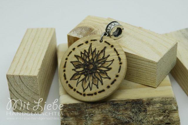 Holzmedaillon Edelweiß