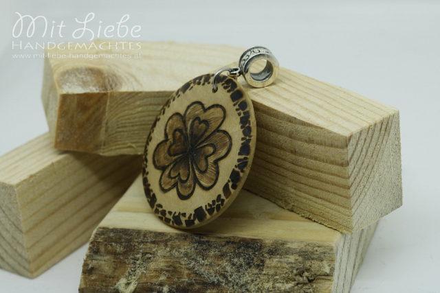 Holzmedaillon Klee