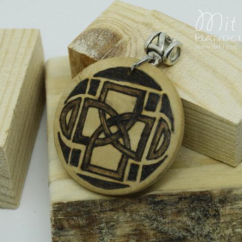Holzmedaillon Keltenzeichen